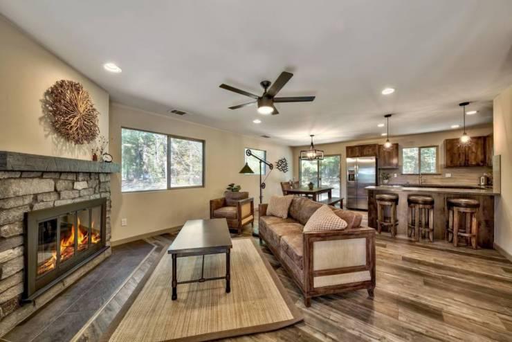 1641 Pebble Beach Drive South Lake Tahoe, CA  96150 El Dorado County