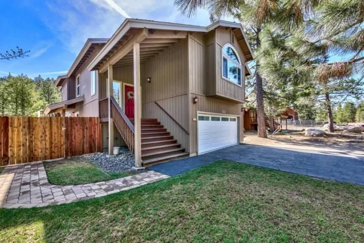 2305 Blitzen, South Lake Tahoe, CA 96150 El Dorado County