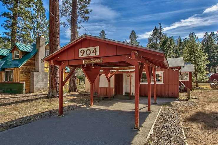 Cabin For Sale in South Lake Tahoe